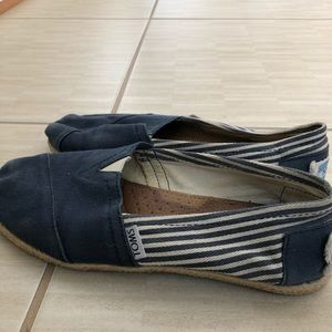 Blue striped TOMS women's size 7